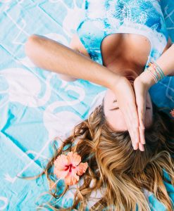 Monique Rotteveel Blue Ocean Pura Vida Top Surfbikini Yogatop Yoga Surf