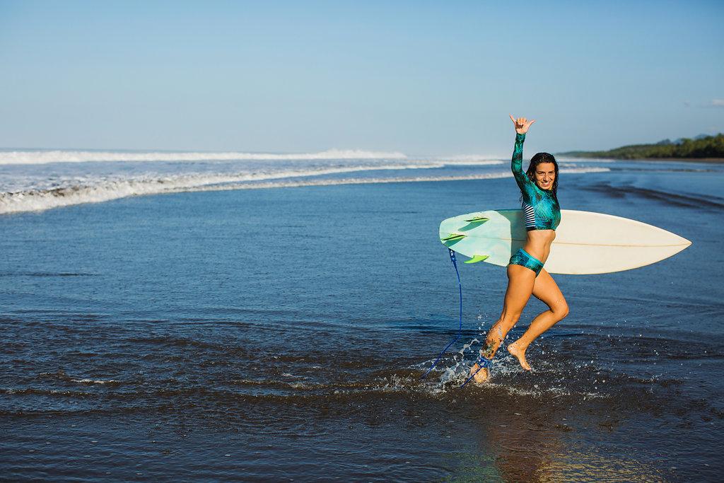 Monique Rotteveel Surf Yoga Surfbikini rashguard