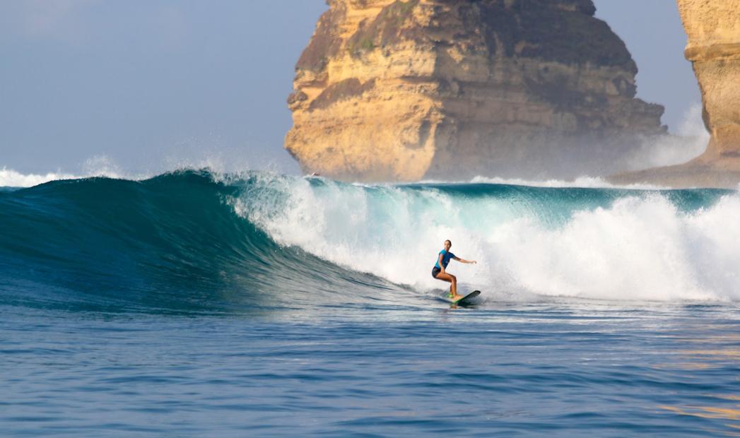 Surfbikini bymoniquerotteveel ZeevanG underthezee suzanne van Gils