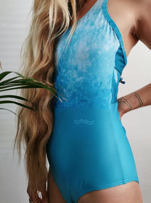 Zee van Gils x Monique Rotteveel | Resin Art Surfgirl Sustainable Bikini Onepiece