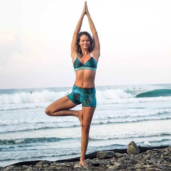 Monique Rotteveel ♻️ Surf Yoga